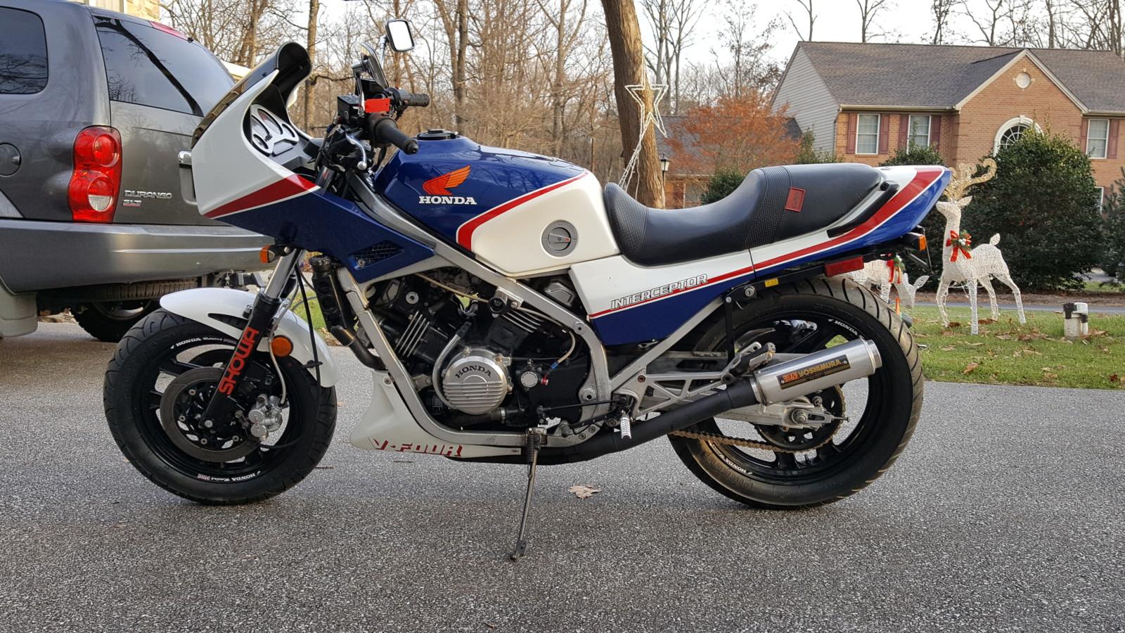 1984 Honda VF700 F